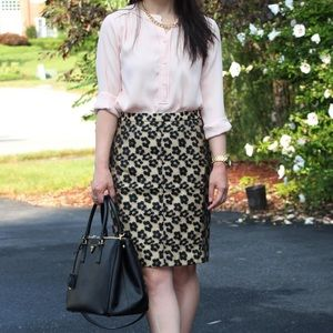 Ann Taylor • Jacquard Pencil Skirt